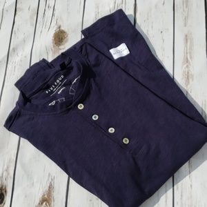🎯NWT🎯 Navy blue crew neck 4 buttons